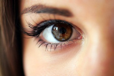 brown-eyes