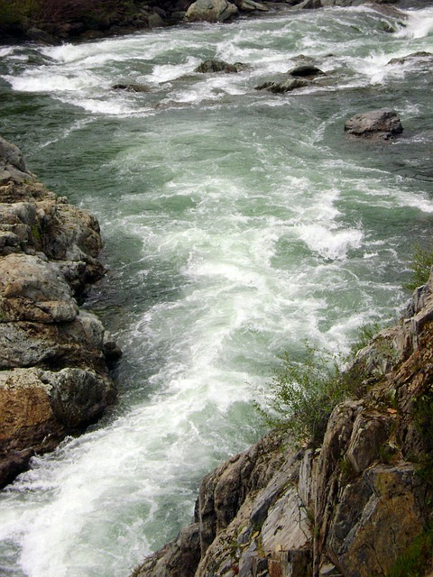 stream-14049_640